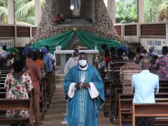 au-togo-les-lieux-de-culte-reprennent-hors-grand-lome-apres-8-mois-de-fermeture
