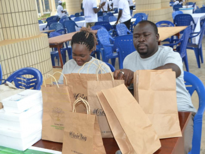 a-la-decouverte-de-civic-bag-le-sac-ecologique-en-papier-ciment-made-in-togo