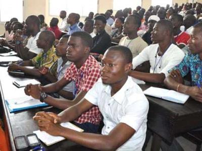 l-uemoa-appelle-les-etudiants-a-souscrire-a-son-programme-de-soutien-a-la-formation-et-a-l-excellence