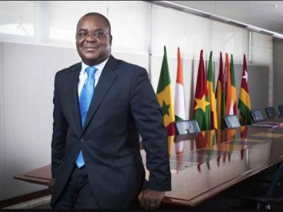 edoh-kossi-amenounve-reconduit-a-la-tete-de-l-association-des-bourses-africaines