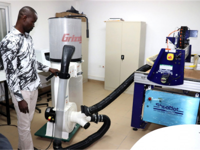 l-universite-de-lome-a-lance-officiellement-son-laboratoire-de-fabrication-numerique