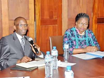 yali-2018-victoire-tomegah-dogbe-apporte-apporte-le-soutien-du-gouvernement-aux-10-ambassadeurs-togolais