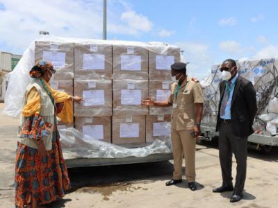 le-togo-recoit-325-000-nouvelles-doses-de-vaccins-sinovac-via-le-covax