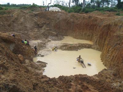en-2019-le-togo-a-produit-pour-18-milliards-fcfa-de-mines-de-petites-tailles