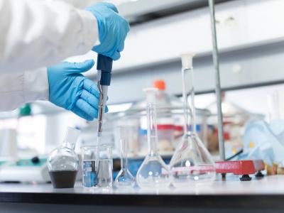 le-waca-resip-va-fournir-les-universites-de-lome-et-kara-en-materiel-de-laboratoire