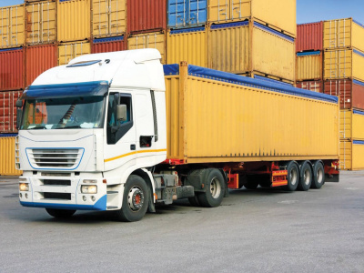transport-routier-le-gouvernement-accorde-un-moratoire-aux-poids-lourds-pour-se-mettre-aux-normes