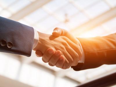 hermes-communication-s-offre-un-contrat-de-plus-de-50-millions-fcfa-aupres-de-la-ceet