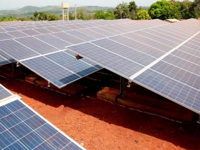 a-lome-6-pays-etudient-la-mise-en-place-d-un-cadre-commun-de-promotion-du-solaire