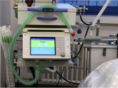coronavirus-apres-avoir-receptionne-16-tonnes-de-materiel-medical-l-etat-annonce-la-commande-de-250-respirateurs