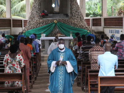 government-allows-worship-places-all-over-the-country-except-in-grand-lome-to-fully-resume