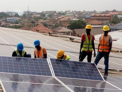 togo-la-premiere-phase-du-projet-d-electrification-par-mini-reseaux-solaires-ciblera-129-localites
