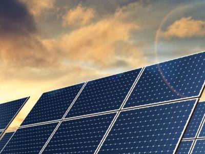 la-sfi-et-le-togo-s-accordent-sur-un-projet-de-centrales-solaires-de-90-mw