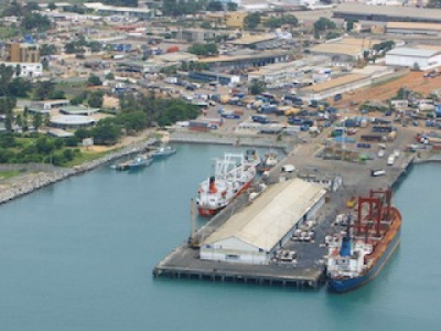 togo-records-slump-in-exports-in-2017-due-to-lower-re-exports-of-goods-and-phosphate