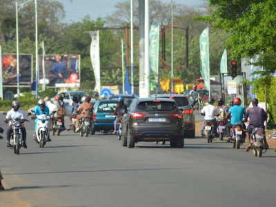 togo-les-vehicules-a-moteur-y-compris-les-motocyclettes-de-plus-de-125cm3-seront-taxes
