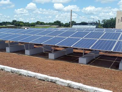 togo-acquisition-de-314-systemes-photovoltaiques-pour-l-electrification-des-centres-de-sante