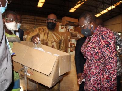 myriam-dossou-d-almeida-prospecte-avec-africa-global-recycling-des-opportunites-d-emplois-verts-pour-les-jeunes