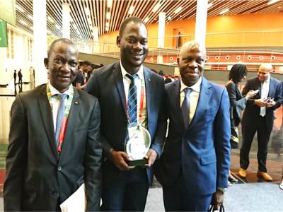 le-togolais-dona-etchri-promoteur-de-e-agribusiness-decroche-15-000-euros-au-concours-pitch-agrihack-talent