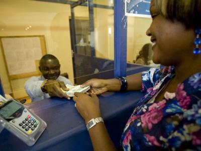 covid-19-le-fnfi-en-soutien-a-neuf-microfinances-partenaires