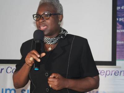 la-dg-du-faiej-encourage-les-jeunes-entrepreneurs-a-etre-orientes-solutions