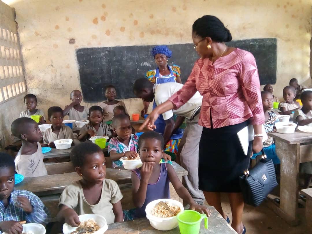 475-ecoles-ont-beneficie-du-programme-d-alimentation-scolaire-pour-2-1-milliards-fcfa