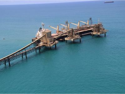 togo-sogea-satom-lse-et-freyssinet-vinci-construction-vont-rehabiliter-le-wharf-de-kpeme-pour-14-8-millions-d-euros