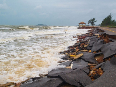 togo-looks-for-innovative-ways-to-fight-coastal-erosion