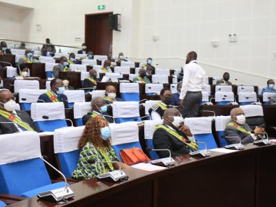 togo-l-assemblee-discute-du-budget-et-des-ressources-de-l-etat-face-a-la-covid-19