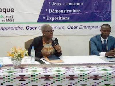 le-faiej-presente-aux-jeunes-entrepreneurs-les-opportunites-qu-offre-le-centre-de-gestion-agree
