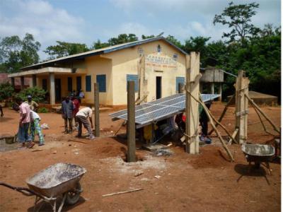 togo-l-agence-chargee-de-l-electrification-rurale-et-des-energies-renouvelables-se-fait-connaitre-aupres-des-populations