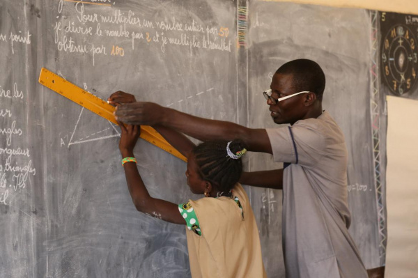 Togo: Government helps volunteer teachers cope financially, amid covid-19 crisis