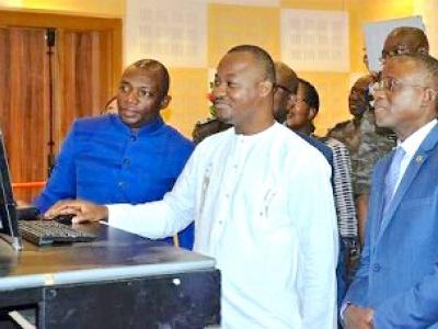 integration-regionale-les-douanes-togolaise-et-burkinabe-s-interconnectent