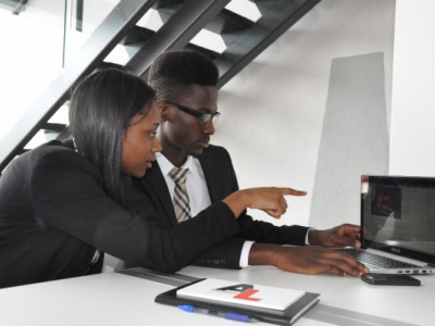 togo-les-jeunes-entrepreneurs-s-investissent-plus-dans-l-innovation-pour-rester-competitifs