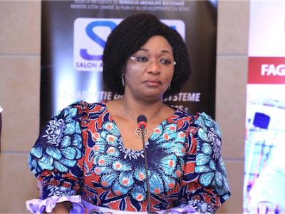 naka-de-souza-directrice-generale-de-l-anpgf-participe-a-cotonou-au-1er-salon-africain-de-la-garantie