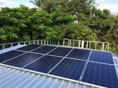 l-at2r-se-dote-d-une-mini-station-solaire-photovoltaique