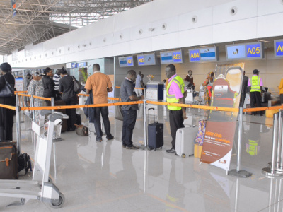 covid-19-lome-s-airport-will-be-equipped-with-a-mobile-laboratory-for-testing-travelers