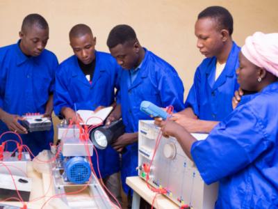 le-programme-europeen-erasmus-va-accompagner-l-universite-de-lome-pour-renforcer-la-formation-des-ingenieurs-togolais
