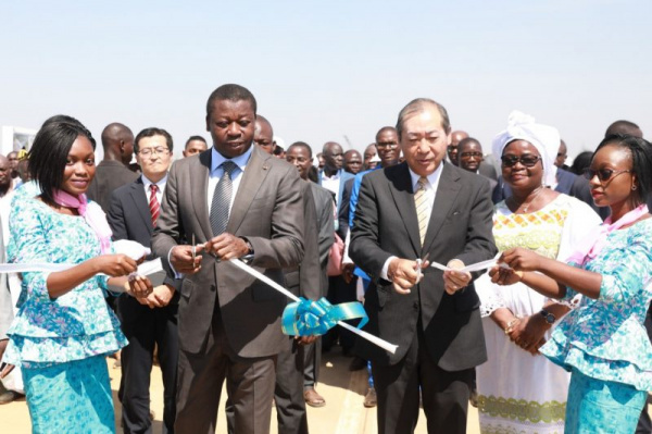 Togo: President Gnassingbé commissions two new bridges