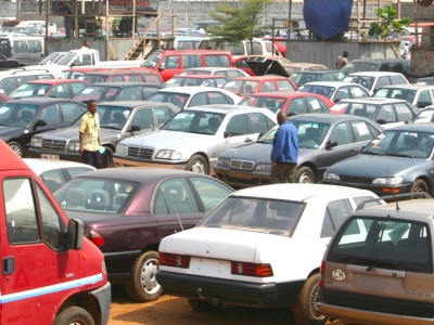 un-logiciel-de-tracking-a-bloque-les-activites-sur-les-parcs-de-vehicules-d-occasion-a-lome-ce-lundi