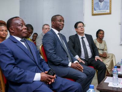 une-delegation-du-cluster-maritime-d-afrique-francophone-visite-la-base-marine-de-lome