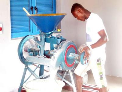 le-pudc-va-equiper-de-nouvelles-zones-rurales-en-plateformes-multifonctionnelles-solaires