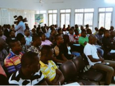 togo-authorities-initiate-workshops-to-inform-young-local-entrepreneurs-about-government-s-measure-of-setting-aside-25-of-public-contracts-for-them
